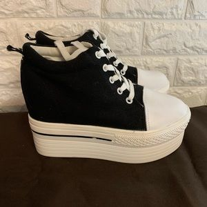 Shoes - Platform sneakers